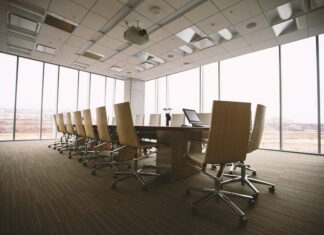 How Technology Transforms an Organization's Human Resources